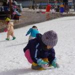 茶臼山高原スキー場で雪遊び